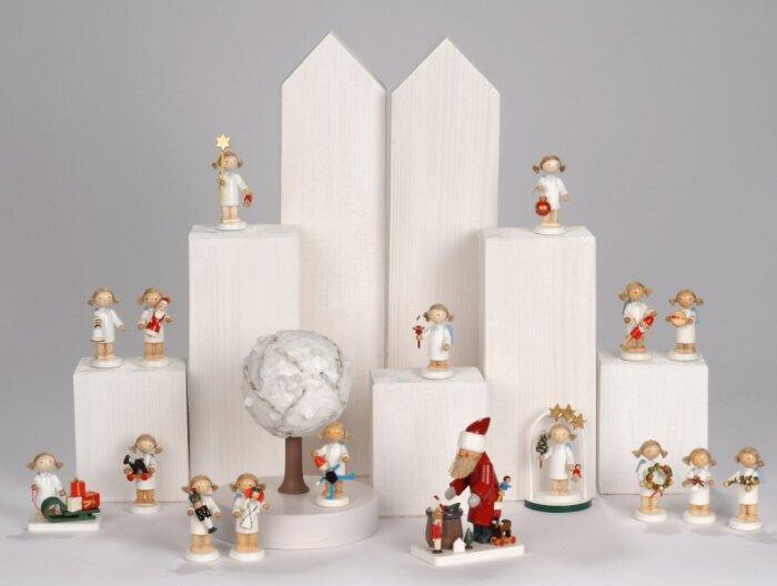weihnachten modern kreativ und heiter erzgebirge. Black Bedroom Furniture Sets. Home Design Ideas